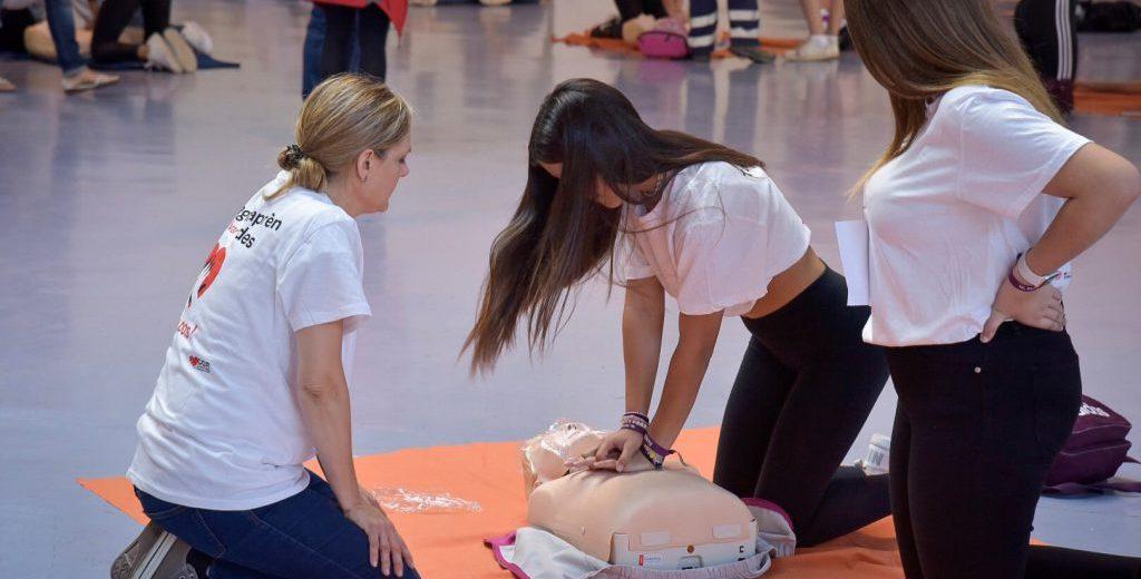 Un miler de nens i nenes participen en la Jornada Mundial de Conscienciació de l'Aturada Cardiorespiratòria a Tarragona